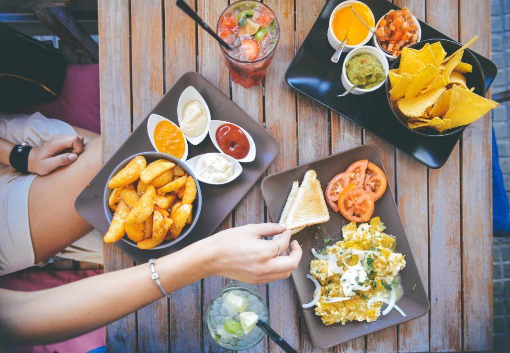 Makanan yang Harus Dihindari Saat Program Hamil