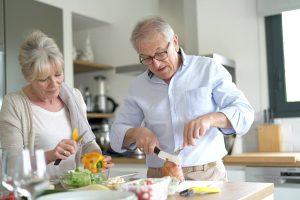 4 Kandungan Terbaik Susu Nutrisi untuk Lansia